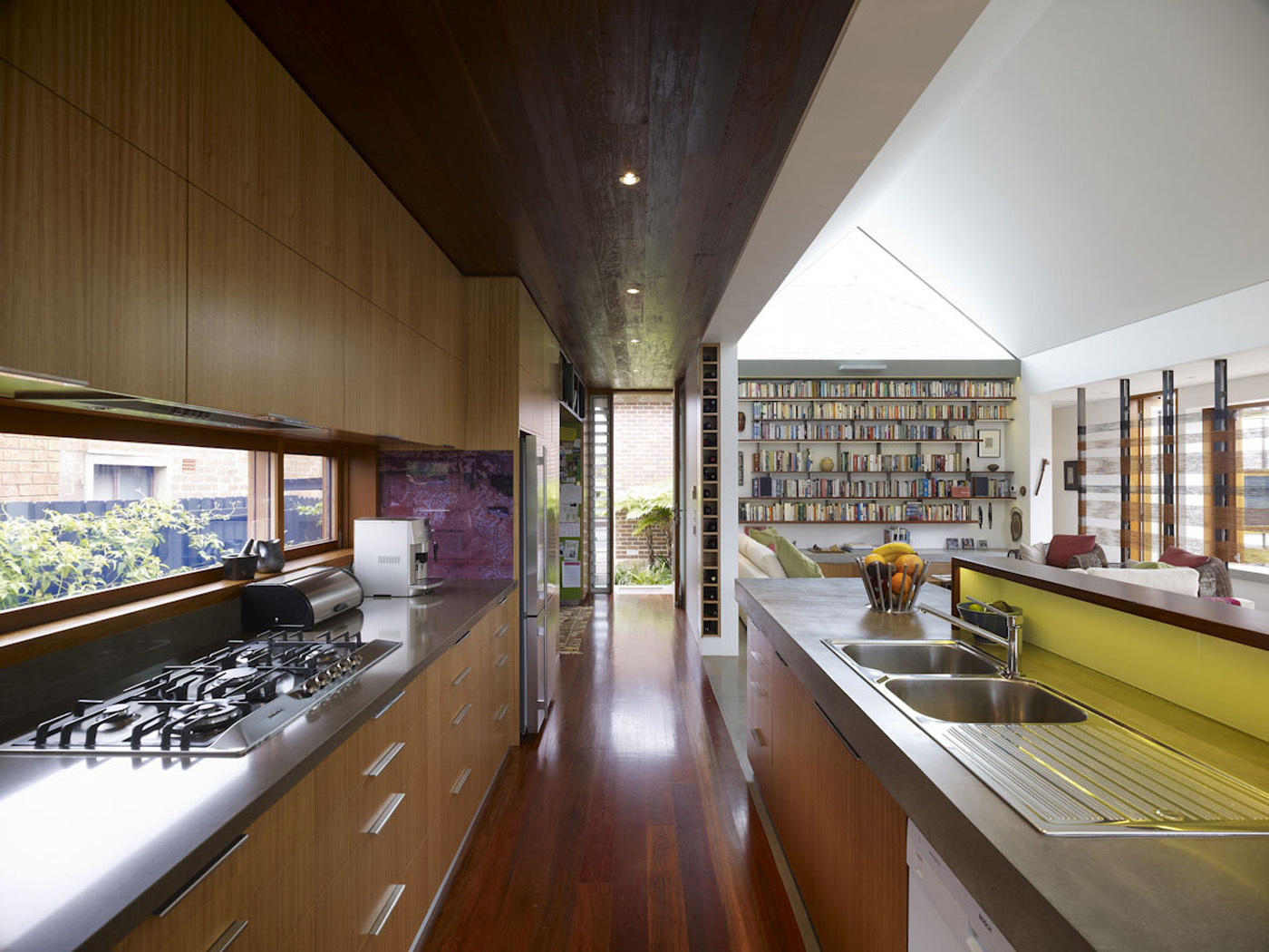 Garrett House by Sydney award winning architecture office Sam Crawford Architects. Open plan living and dining