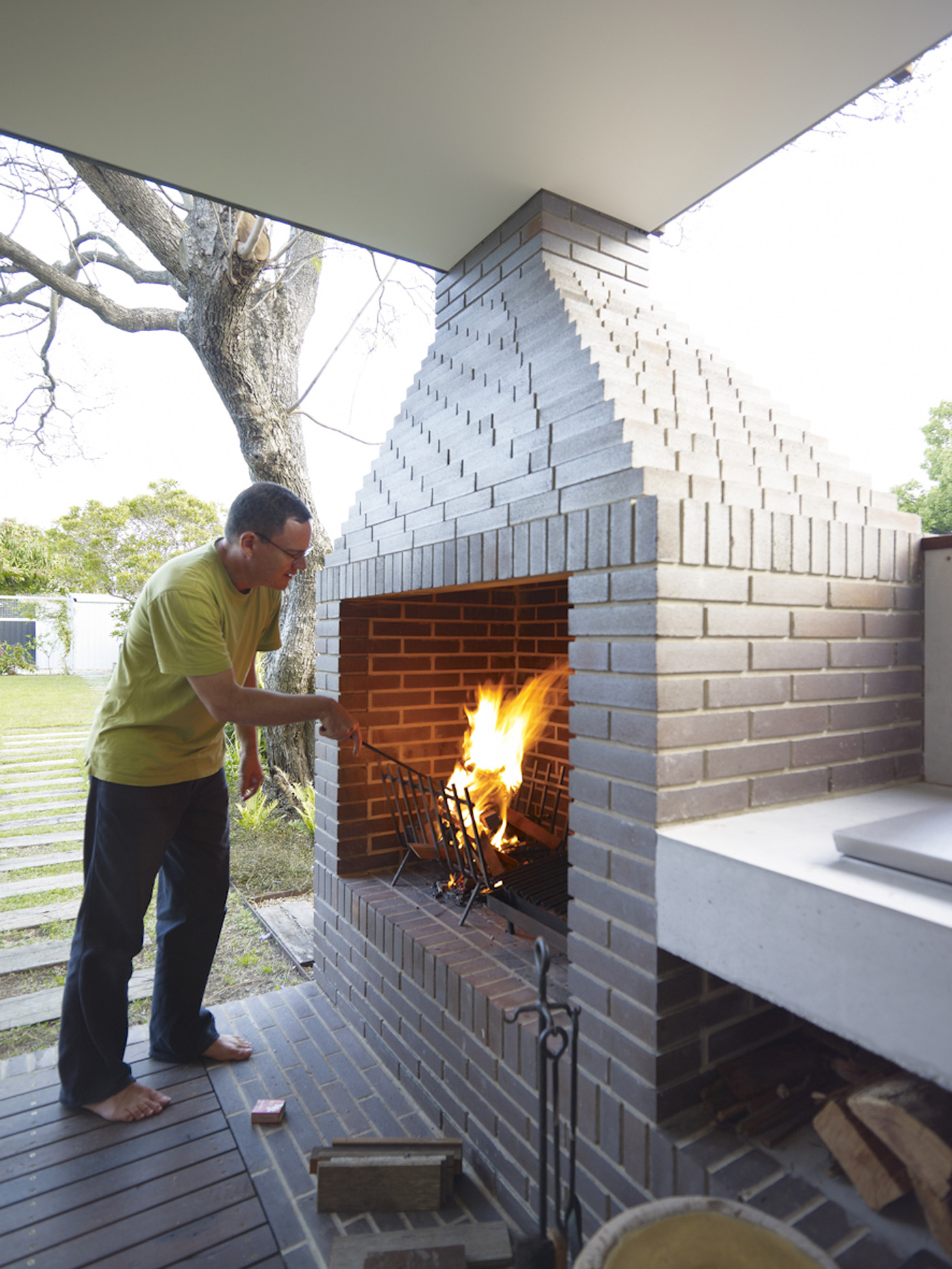 Garrett House by Sydney award winning architecture office Sam Crawford Architects. External barbecue area