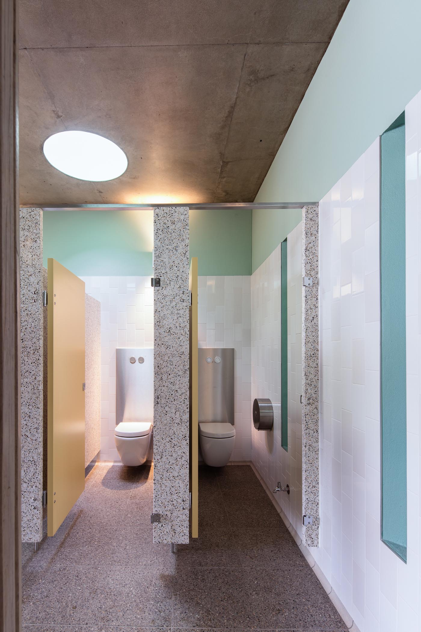 North Bondi Amenities, a public project by award winning Sam Crawford Architects. The clean cubicles are a pleasure to use.