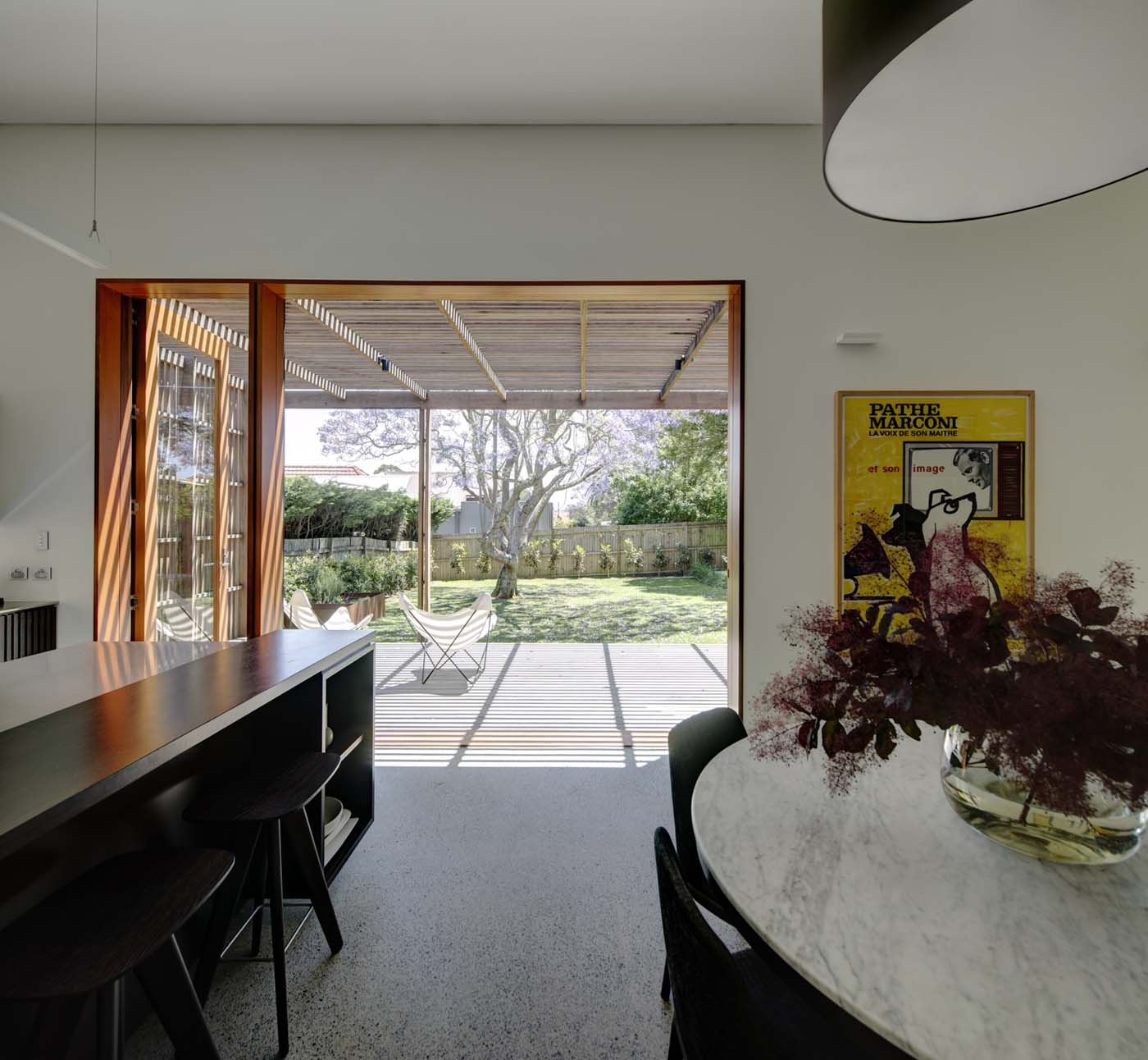 Sung Dobson house by Sam Crawford Architects, Sydney. Views to the garden from kitchen and dining area.