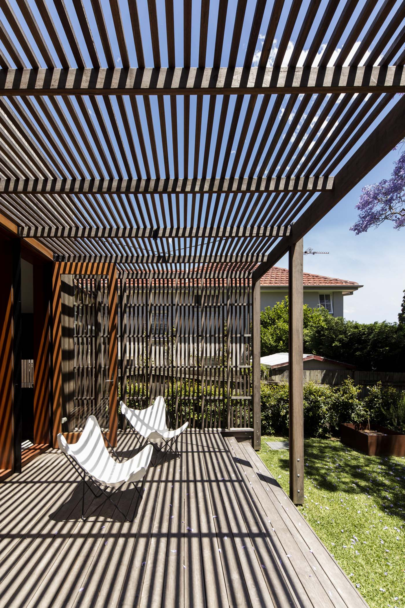 Sung Dobson house by Sam Crawford Architects, Sydney. Timber pergola offers shade.