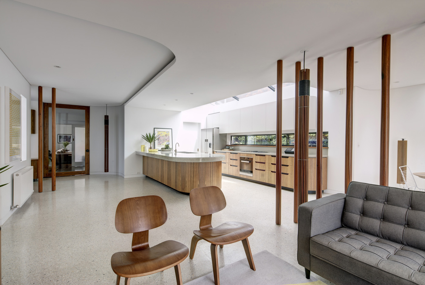 Dover Heights Pendants by award winning Sydney firm Sam Crawford Architects. Light filled minimal interior.
